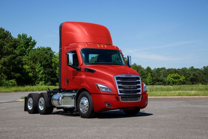 Due To Steering Issue Leading To Safety Concerns, DTNA Decides To Recall Freighliner Cascadia Trucks